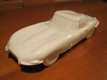 Jaguar E Type, in ceramica